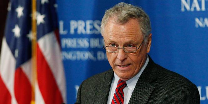 Morris Dees, fondateur du Southern Poverty Law Center, lors d'une conférence de presse à Washington, en juillet 2009.