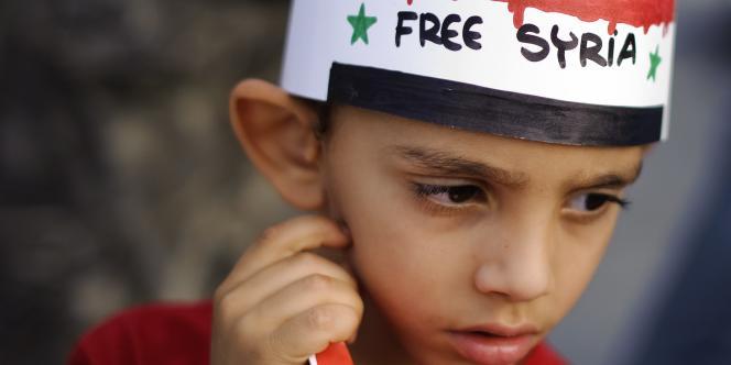 « La violence, l'effondrement du système éducatif et des services de santé, la profonde détresse psychologique et la détérioration de la conjoncture économique concourent à dévaster une génération [d'enfants syriens]», souligne le rapport de l'Unicef publié mardi 11 mars 2014.