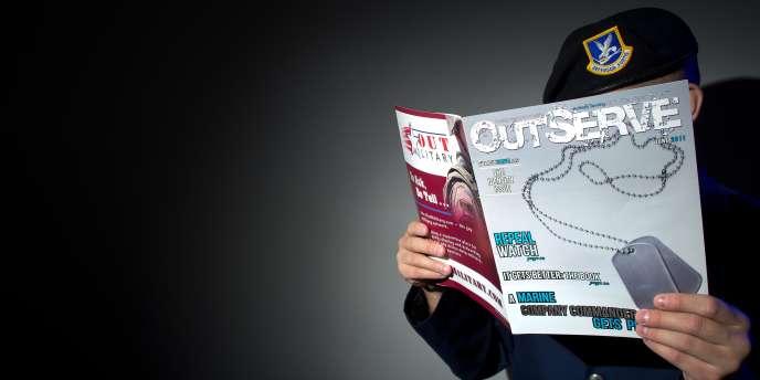 Un magazine américain destiné aux homosexuels va publier une édition spéciale qui sera distribuée dans les bases militaires à l'occasion de l'abrogation définitive du tabou homosexuel dans l'armée américaine, a indiqué le magazine