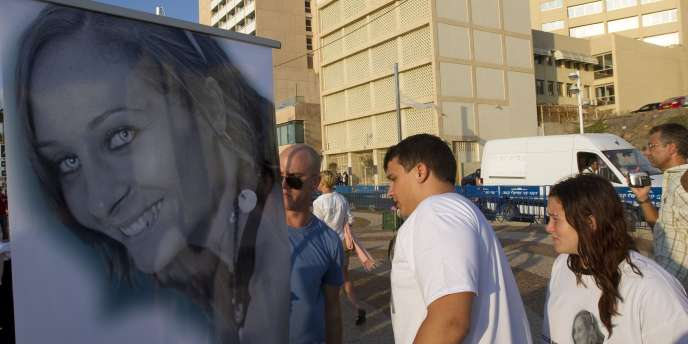 Un portrait de Lee Zeitouni, tuée par deux chauffards français à Tel Aviv, vendredi 16 septembre.