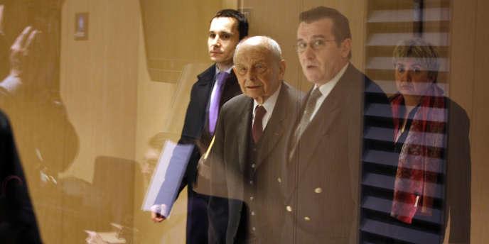 Jacques Servier, 90 ans, est entendu par les juges chargés de l'enquête à Paris, le 21 septembre 2011. Il est mis en examen notamment pour