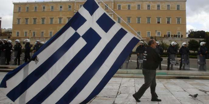 Moody's et Standard & Poor's ont dégradé de deux crans la note de la dette grecque, l'établissant à CC, contre CCC auparavant.