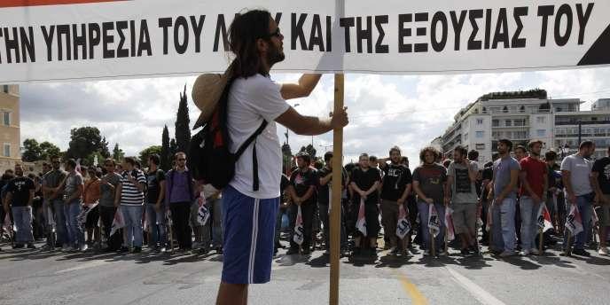 Manifestation d'étudiants contre les mesures d'austérité prises par le gouvernement grec, jeudi 22 septembre à Athènes.