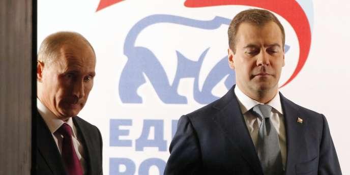 Vladimir Poutine et Dmitri Medvedev, au congrès du parti Russie unie, samedi 24 septembre à Moscou.