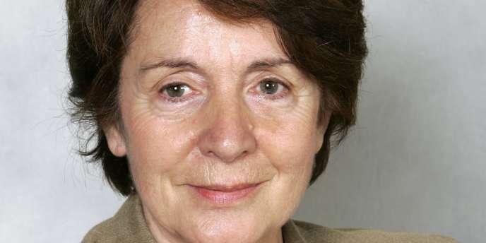 Catherine Tasca, aujourd'hui sénatrice des Yvelines, était en 1998 présidente de la commission des lois de l'Assemblée et avait porté la proposition de loi sur le pacs.