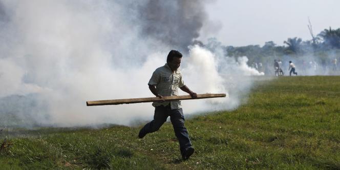 Affrontements en Bolivie contre le projet de route transamazonienne, en septembre 2011.