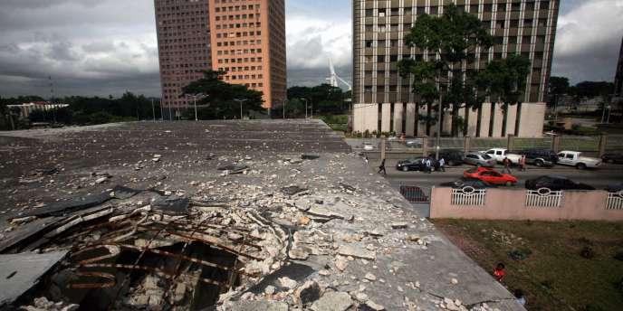 Vue du toit du musée d'Abidjan, cinq mois après la fin des violences post-électorales.