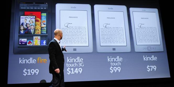 Jeff Bezos, PDG d'Amazon, présente les tablette Kindle Touch et Fire, en septembre 2011.