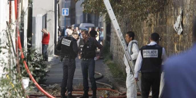 Le sinistre a ravagé un immeuble passage Roche, à Pantin, mercredi matin.