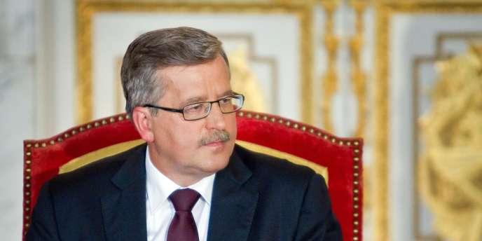 Le président polonais Bronislaw Komorowski le 6 août, lors de la cérémonie au cours de laquelle lui ont été remis les insignes présidentiels, au palais royal de Varsovie.