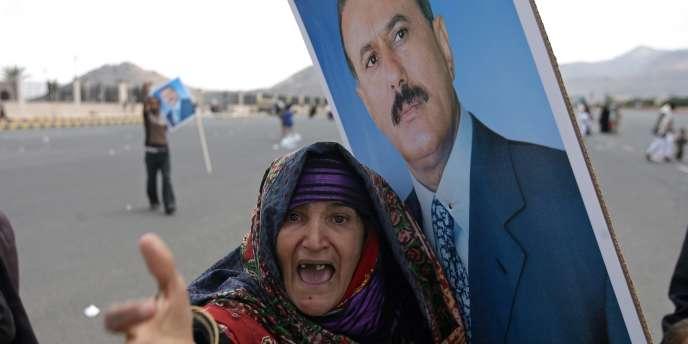 Une manifestante lors d'un rassemblement de soutien au président Saleh, le 30 septembre.