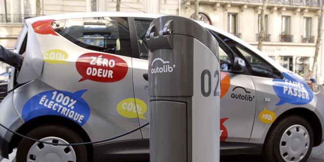 La version auto du Velib' à Paris, la Bluecar électrique.