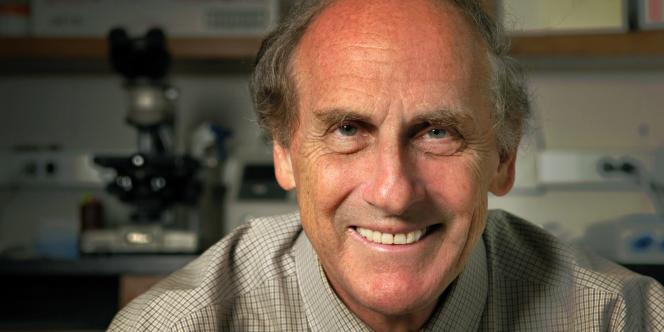 Ralph Steinman est mort trois jours avant l'attribution du prix. Il souffrait d'un cancer du pancréas.