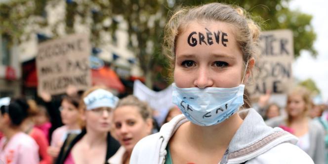 Manifestation de sages-femmes à Paris en 2011.