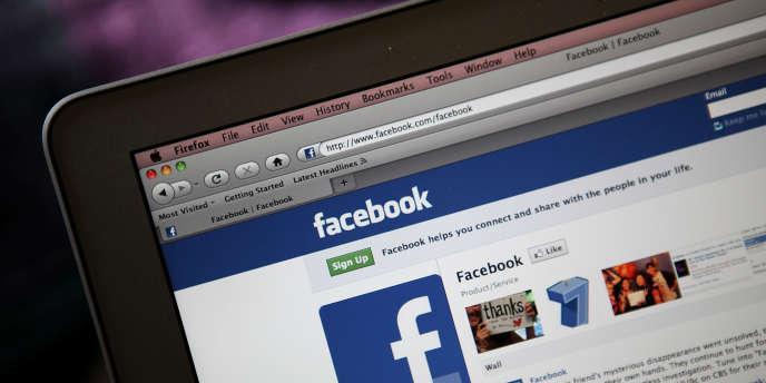 Facebook explicite ses règles de confidentialité