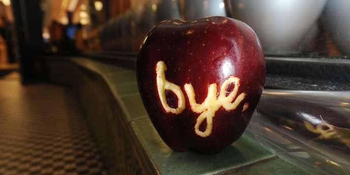 Devant un Apple Store après la mort de Steve Jobs, le 5 octobre 2011.