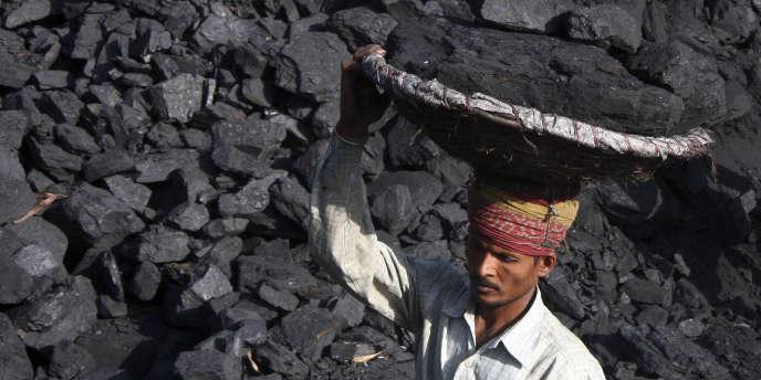 Les subventions accordées aux énergies fossiles comme le charbon atteignent un niveau d'au moins 470 milliards de dollars dans le monde en 2010.