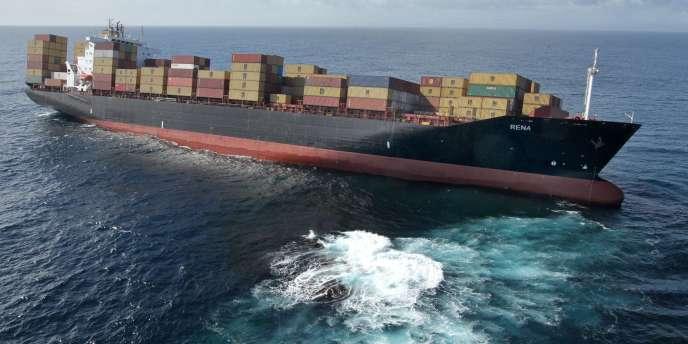 Le navire s'est échoué sur un récif de la baie de Plenty, l'une des destinations touristiques les plus populaires du pays.