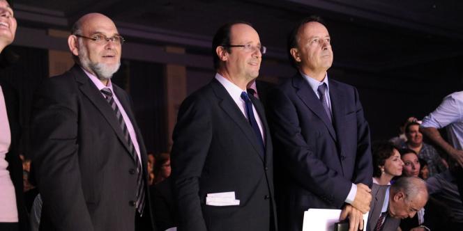 Robert Hue, ancien secrétaire général du Parti communiste, et Jean-Pierre Bel, président du Sénat, sont venus montrer leur soutien à M. Hollande.
