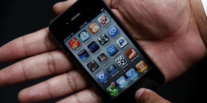 Un iPhone d'Apple avec l'ancienne interface (iOS 6 et antérieur), en juin 2010.
