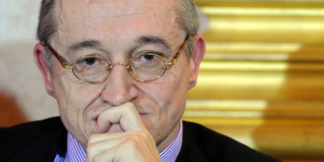 Paul-Marie Coûteaux, souverainiste de droite, rallié au FN, ici en janvier 2011.