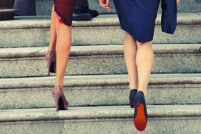 Les clientes de Christian Louboutin sont sa meilleure publicité. Carla Bruni-Sarkozy, semelle rouge aux pieds, au côté de la princesse Letizia lors d'une visite officielle, en Espagne, enavril2009.