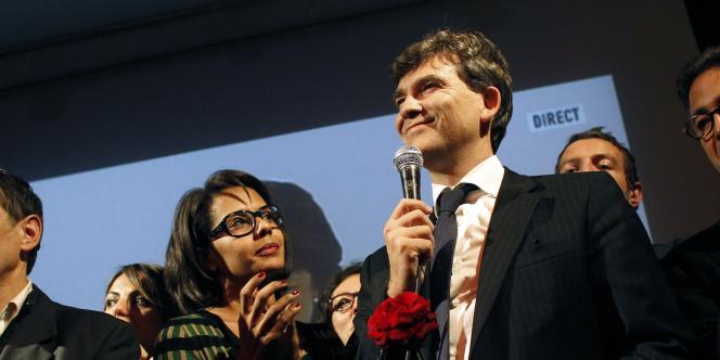 Arnaud Montebourg, le 9 octobre 2011. A sa droite, Audrey Pulvar.