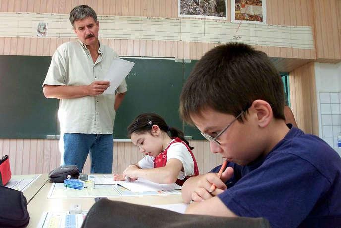 Elèves en classe dans une école primaire de Mailley, en Haute-Saône.