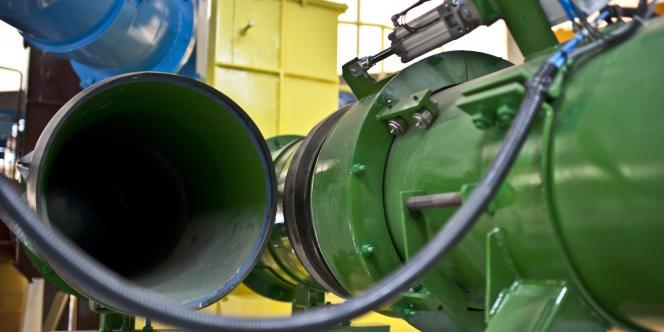 Au bout des tuyaux, le centre de récupération des déchets. Ici un mécanisme permet de basculer d'un conduit à un autre pour remplir les conteneurs.