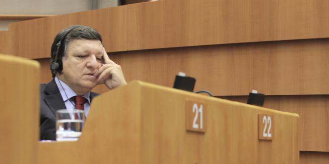 José Manuel Barroso, le président de la Commission européenne, a proposé, mercredi 12 octobre à Bruxelles, d'inclure toutes les banques