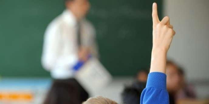 Cette année, la décision présidentielle de recréer les 60 000 postes coupés par la droite dans les établissements scolaires a permis l'arrivée de près de 43 000 nouveaux venus.