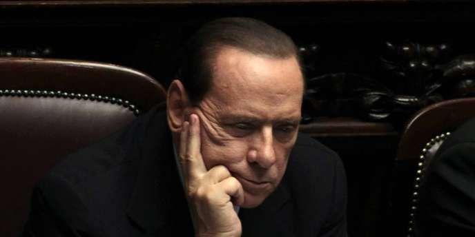 Le président du conseil, Silvio Berlusconi, n'a pas pu résister à la défiance des marchés financiers.