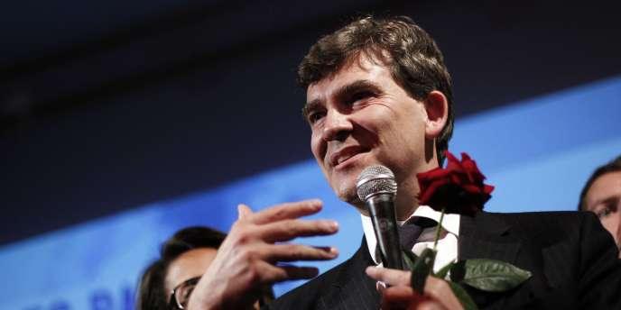 Arnaud Montebourg, le 9 octobre 2011, après l'annonce des résultats du premier tour de la primaire le classant troisième.