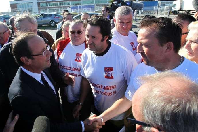 En octobre 2011, durant la campagne présidentielle, François Hollande, alors candidat, était allé sur le parking de l'usine pour apporter son soutien aux salariés. Et il s'était engagé à faire voter, en cas de victoire, une loi contre les licenciements économiquement injustifiés.