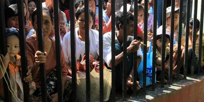 Cette nouvelle loi est le dernier en date d'une série de gestes politiques forts qui se sont multipliés de la part du nouveau régime birman, au pouvoir depuis le mois de mars et la dissolution de la junte militaire.