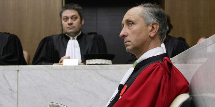Le procureur de la République de Nanterre a longuement contesté, à huis clos, les raisons qui ont poussé la chancellerie à réclamer sa