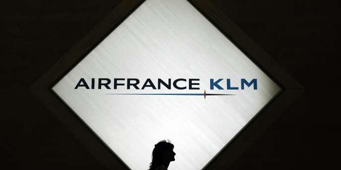 Air France-KLM prévoit de dégager « entre 2,2 et 2,3 milliards d'euros » d'excédent brut d'exploitation pour l'année 2014, contre 2,5 milliards d'euros prévus à l'origine.