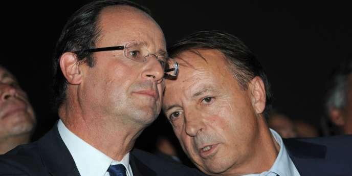 François Hollande et le président du Sénat, Jean-Pierre Bel, lors d'un meeting du candidat socialiste à Toulouse, le 6 octobre.