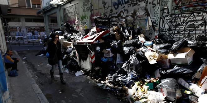 Une rue du centre-ville d'Athènes mardi 18 octobre.