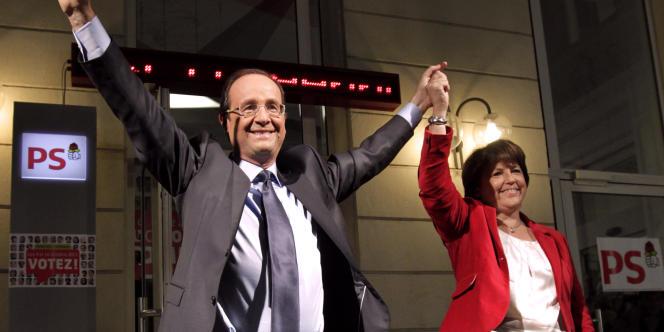 François Hollande et Martine Aubry, à Paris, le 16 octobre 2011.