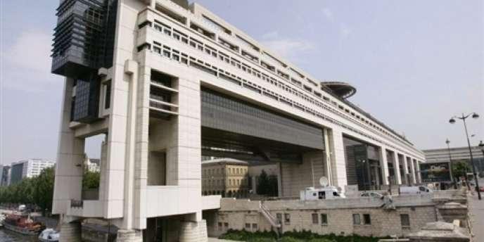 La fameuse taxe à 75 % a successivement été censurée par le Conseil constitutionnel le 29 décembre 2012 et enterrée par le Conseil d'Etat le 21 mars 2013.