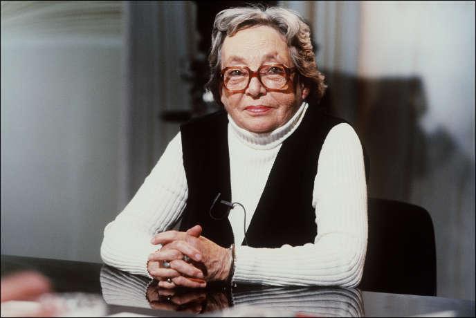 Marguerite Duras sur le plateau de l'émission