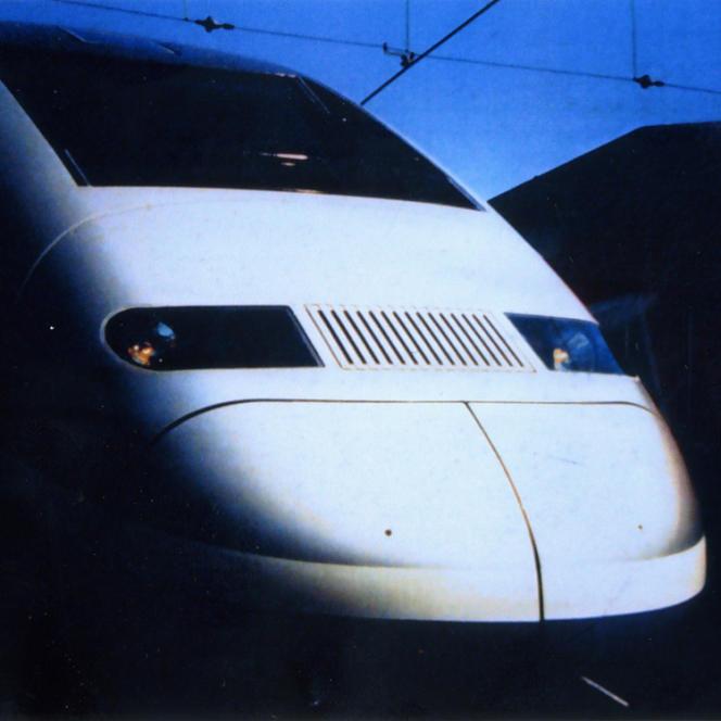 Roger Tallon a apporté sa touche au TGV Duplex, à l'instar du Corail, de l'Eurostar et autres montres Lip.
