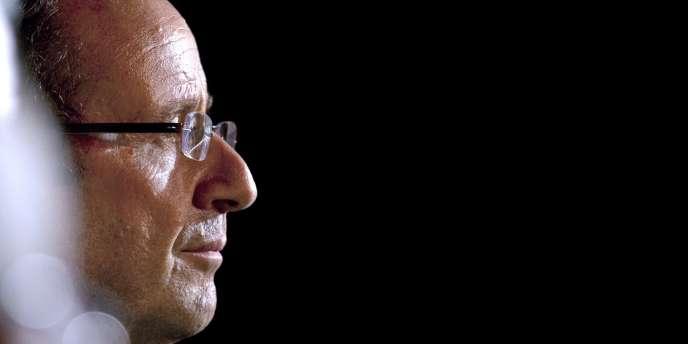 Le candidat François Hollande était intervenu suite aux propos d'Arnaud Montebourg, qui avait comparé, le 30 novembre 2011, la politique d'Angela Merkel à celle de Bismarck.