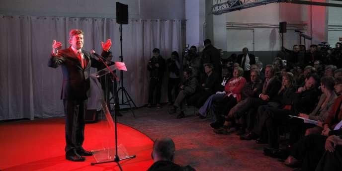 Jean-Luc Mélenchon, lors de l'inauguration de son QG de campagne, le 18 octobre 2011, aux Lilas (Seine-Saint-Denis).