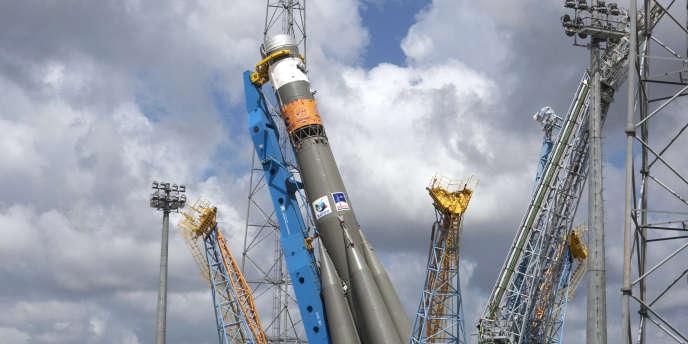 La fusée Soyouz lors des phases de tests en prévision de son lancement le 21 octobre 2011.