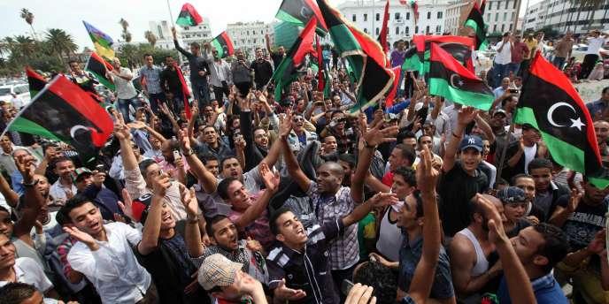 A l'annonce de la mort de Mouammar Kadhafi, jeudi, les rues de la capitale libyenne ont été le théâtre de scènes de liesse.
