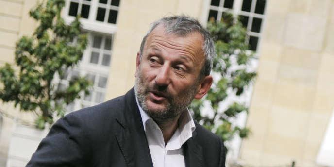 Le député-maire PS de Sarcelles, François Pupponi, en mai 2010 à Matignon.