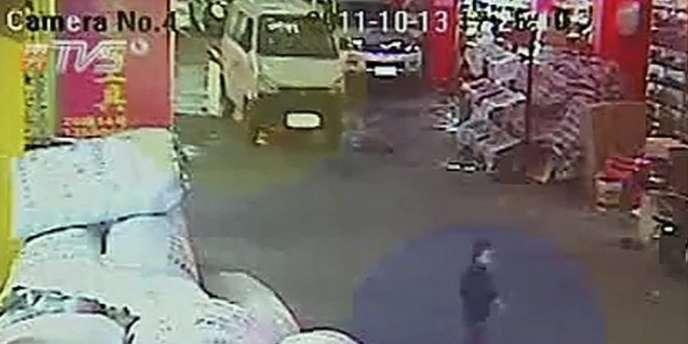 La vidéo de l'accident a choqué la Chine.