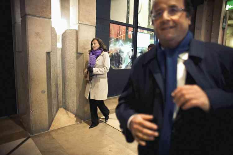 A la sortie de la projection du documentaire Lionel raconte Jospin,  à Paris, le 5 janvier 2010, le couple se veut encore discret. Ce n'est qu'en octobre 2010 que leur relation devient officielle.             Photo: Denis-Rea